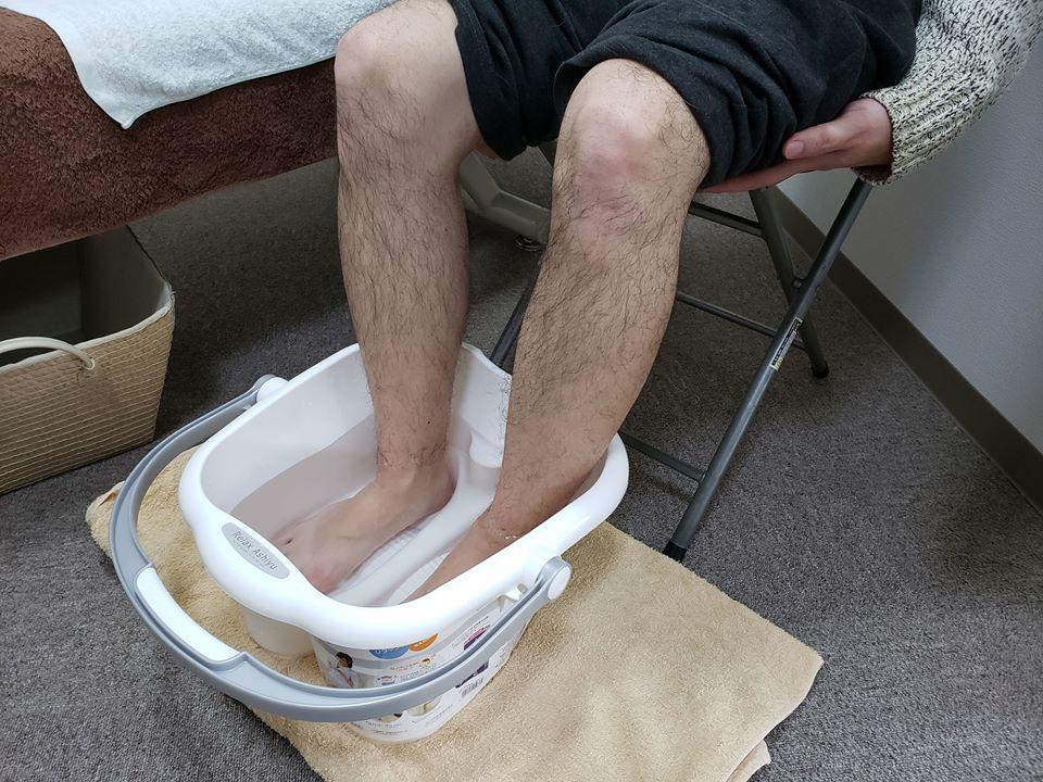 血行促進が期待できる足湯でむくみ、代謝不良予防。10分足を入れて夜までポカポカ